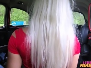 lesbian facesitting and dildo fucking in a fake taxi