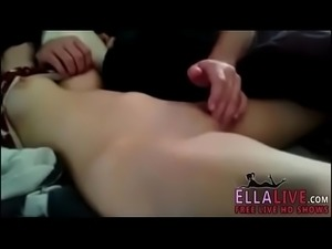 Fingering my wife to orgasm - EllaLive.com