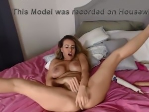 This curvy slut is a wild webcam performer with so much energy