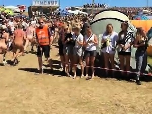 World-Euro-Danish & Nude People On Roskilde Festival 2015-1
