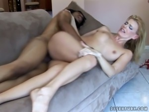 Torn slut Darryl Hanah gives a head and gets thrusted from behind