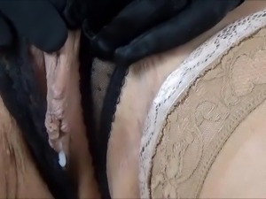 Nicole DuPapillon big pussylips masturbating and fucking