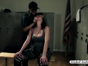 Jail ladyguards appreciates pussy play