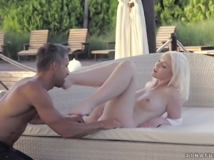 Lovisa Fate covered in cum after an amazing shagging session