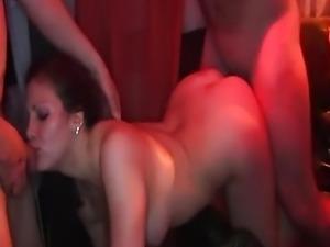 Deutsche Gang-Bang Party mit zwei deutschen Frauen