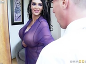 www 3movs com   amy anderssen in a sexy peignoir seduces a nerd lq
