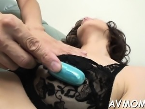 Messy amazing bitch mommy pussy stretched