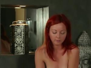 Bathroom Fun with Elen Moore