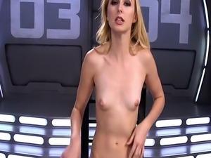 Blonde experienced fast orgasm on machine