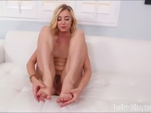 Haley Reed Foot Fetish Living Photos