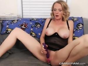 Adorable Milf Camwhore Hottie Masturbating