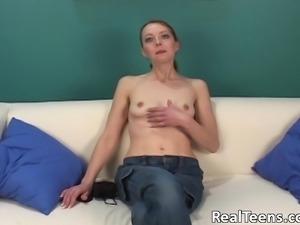 Fabulous Cynn Masturbates Fervently In A Solo Model Casting
