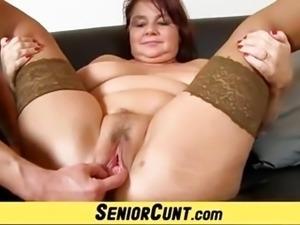 Fatty elder cunt spreading with housewife Eva