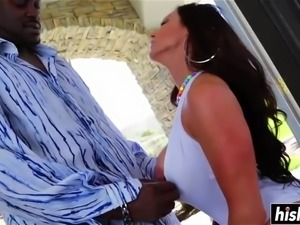 Kendra Lust gets a nice black dick