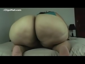 White SSBBW Shaking Her PHAT Ass