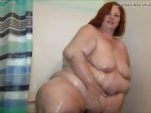 ssbbw sweetcheeks taking a shower
