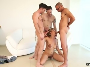 Huge breasted blonde tranny Naomi Chi is ready to please three dicks