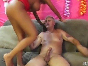 Angelina Valentine gets sucking his cock and getting her shaved pussy vibrated
