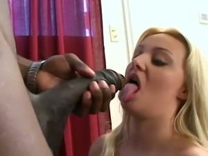 Lusciously bootyfull babe Sheridan Lee takes a big cock in her mouth