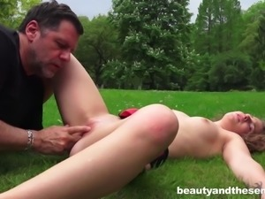Hottie Bunny Babe gets her knees dirty to pleasure Philippe Soine