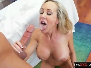 Horny blondes know how to make their lovers' cocks stiff