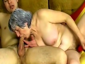 OmaPasS Older Granny Enjoying with Wild Couple