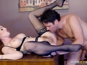Sexy Lairen in stockings screwed hardcore missionary in office