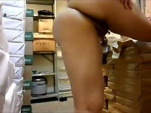 Drilling horny mature mom's hairy ass hole in a doggy position
