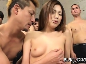 Amateur beauty craves dicks in her holes and sperm on face