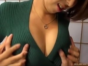 Mizummzito with natural boobs fingering her pussy