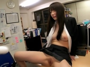 Koharu Suzuki drills her pussy with a dildo and gets fucked