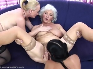 Granny lesbian Laurine moaning while her pussy is licked