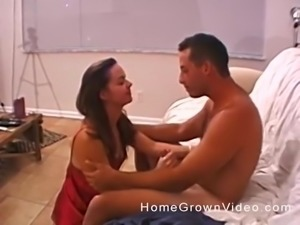 Gorgeous amateur woman seduced by a hunk for a great blowjob