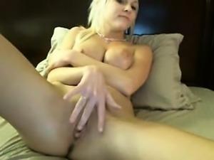Sexy Blonde Webcam Teen Fingering Her Pussy