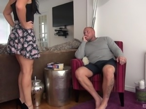 Tattooed fellow wants to explore a petite brunette's body