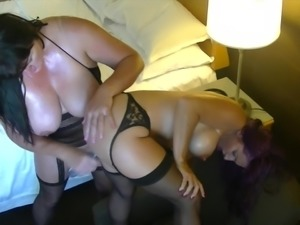 Nikki Sweet gets toy fucked and talks dirty