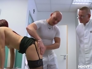 Sexy buxom beauty Natalie Hot sucks two stiff lollicocks in the hospital