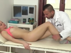 Sexy blonde girl Zazie Skymm comes to have a check-up to the doctor's