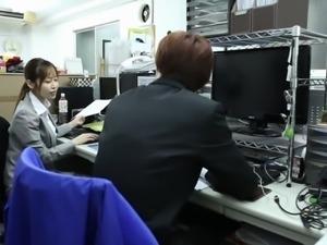 Co-worker of Yuu Shinoda seduces her and fucks her really hard