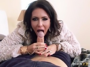 jessica jaymes sucks her husband's thick cock in pov