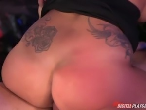 jamie valentine rides the hard dick cowgirl style outdoors