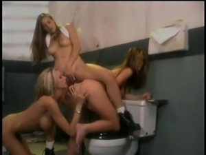 All-girls threesome with Cheyenne Silver on a toilet
