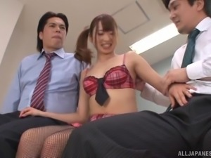 Ogawa Rio wears a cute outfit while seducing men for a threesome