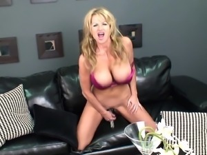 Glass dildo is all blonde chick Kelly Madison wants between her legs