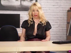 Wrinkled but still rather hot secretary Lucy Gresty goes solo on the table