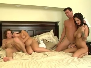 Goddess Penny Flame And Angelina Valentine Have A Foursome