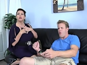 Hot Mature comes back home for sex