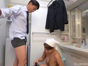 Uchiyama Mai treats her husband to an amazing fucking session