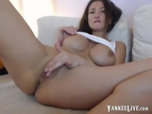 Voluptuous brunette beauty cums all over that stick
