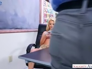 Young attractive Riley Star lures her professor as she wanna good marks